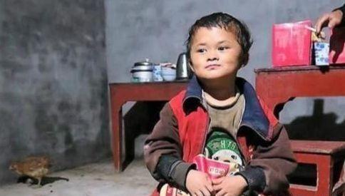 小马云现状:被经济公司辞退 收回豪车别墅重新回归农村